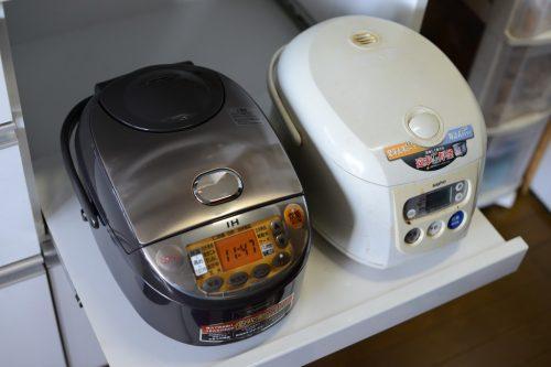 象印 炊飯器 IH式 極め炊き 5.5合 ブラウン NP-VN10-TAと三洋電機(SANYO) 炊飯器 ECJ-BE100